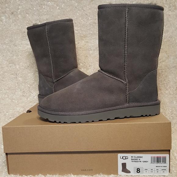 914e09f89c0 NIB Women's Ugg Classic Short II Grey Size 8 NWT